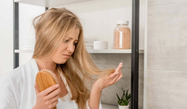 Haarausfall in der Schwangerschaft und Stillzeit